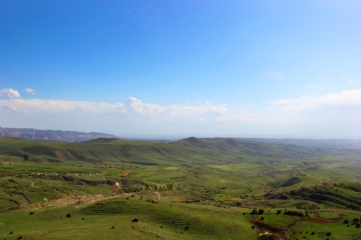 Арка с видом на Арарат